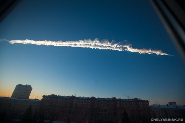 METEOR EXPLODES OVER RUSSIA 2-15-2013
