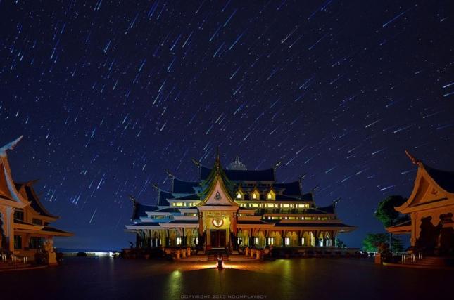 THAILAND TEMPLE STARTRAILS