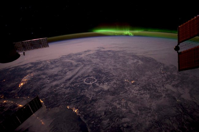 MANICOUAGAN IMPACT CRATER FROM THE ISS: TAKE 2.