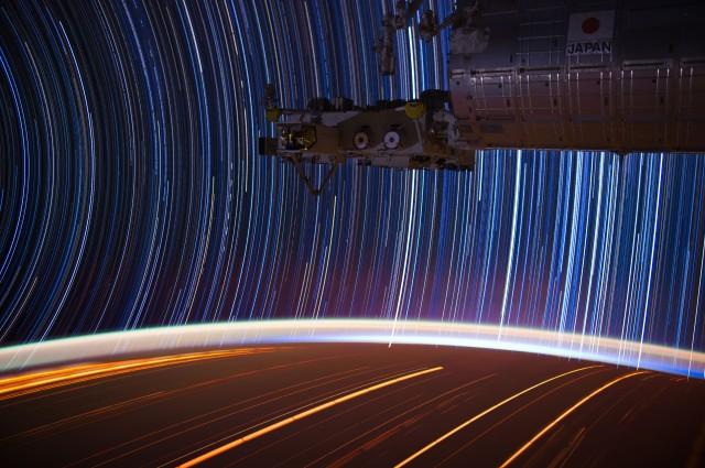 INTERNATIONAL SPACE STATION STARTRAILS