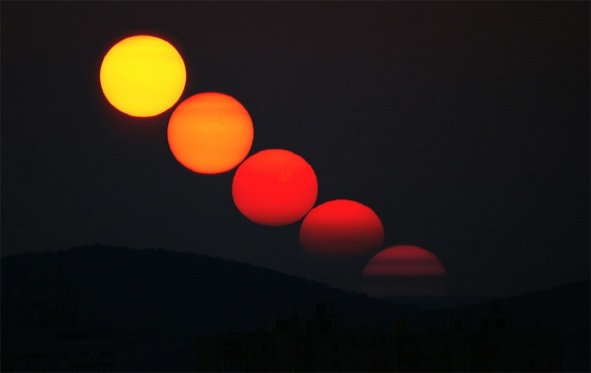THERE'S SCIENCE IN THE SETTING SUN (1-5): Sunset Colors