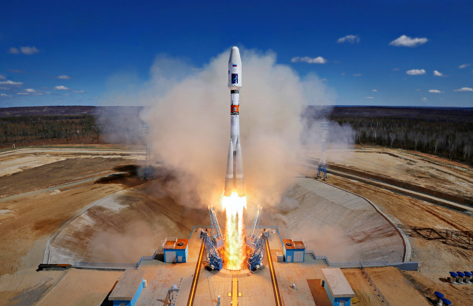 Builders of the Vostochny cosmodrome staged a strike due to non-payment of salaries 03/30/2015 95